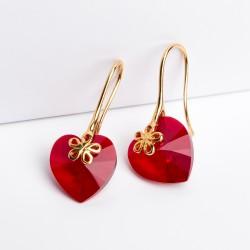 Aretes cristal Swarovski® corazón 14m. Color Light Siam (rojo). Herraje en oro Golfi.