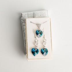 Juego de Dije y Aretes en corazón cristal Swarovski® 14mm. Color Blue Zircon red magna, Herraje plateado. Cadena 45 cm