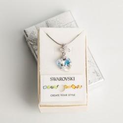 Collar corazón cristal Swarovski® 14mm. Color Crystal AB . Pasacadena y portadije en plateado. Cadena 40 cm Plateada.